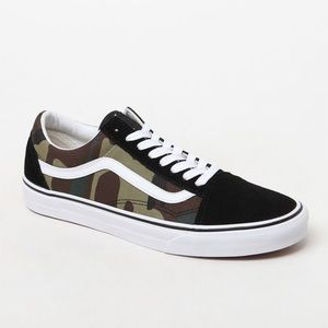 ✨brand new with tags and box!!! Camo Vans✨